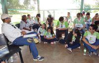 Alunos_ouvem_relatos_dos_líderes_da_comunidade_quilombola