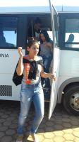 No_micro-ônibus_-_alunos_do_Simon_1