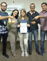 Defesa_de_TCC_da_Egressa_da_Licenciatura_em_Matemática